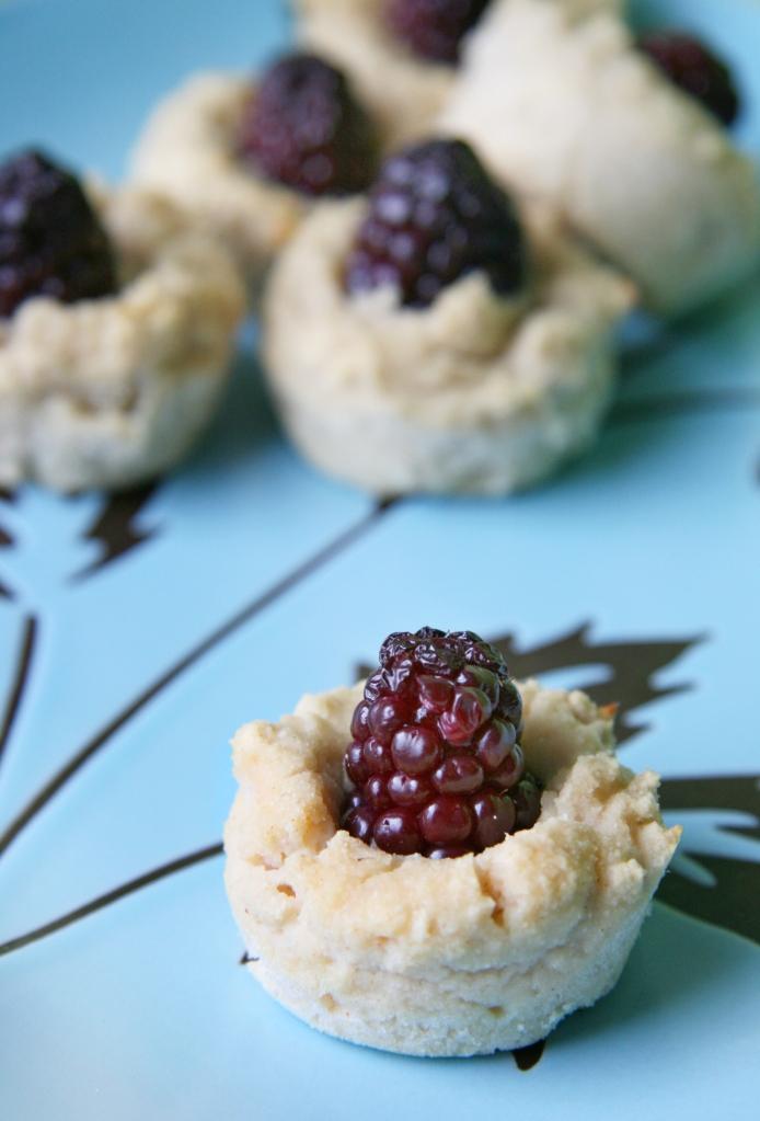 Blackberry-Banana Coconut Muffin Bites | Natural Noshing