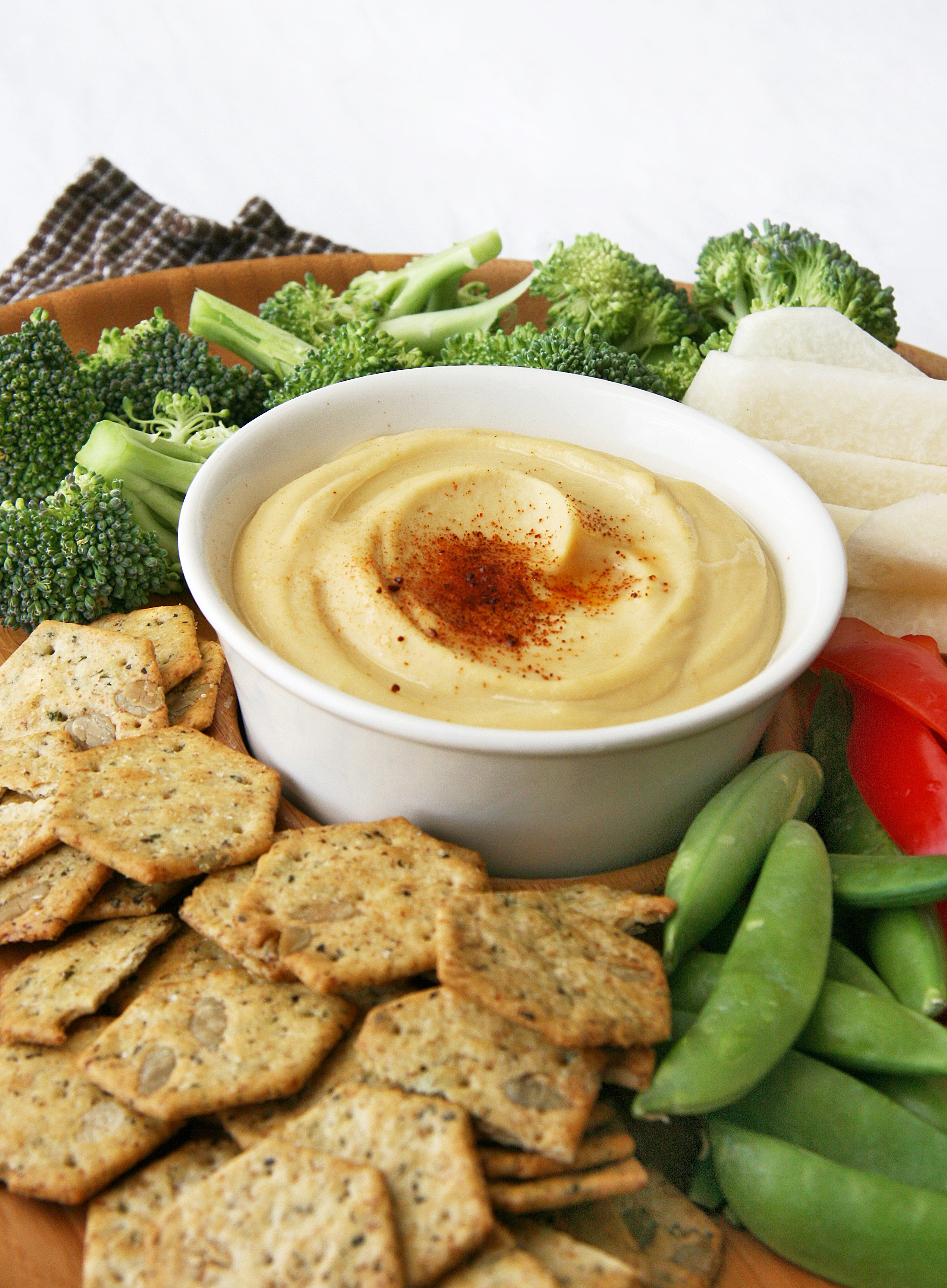 Creamiest Homemade Hummus…Ever | Natural Noshing