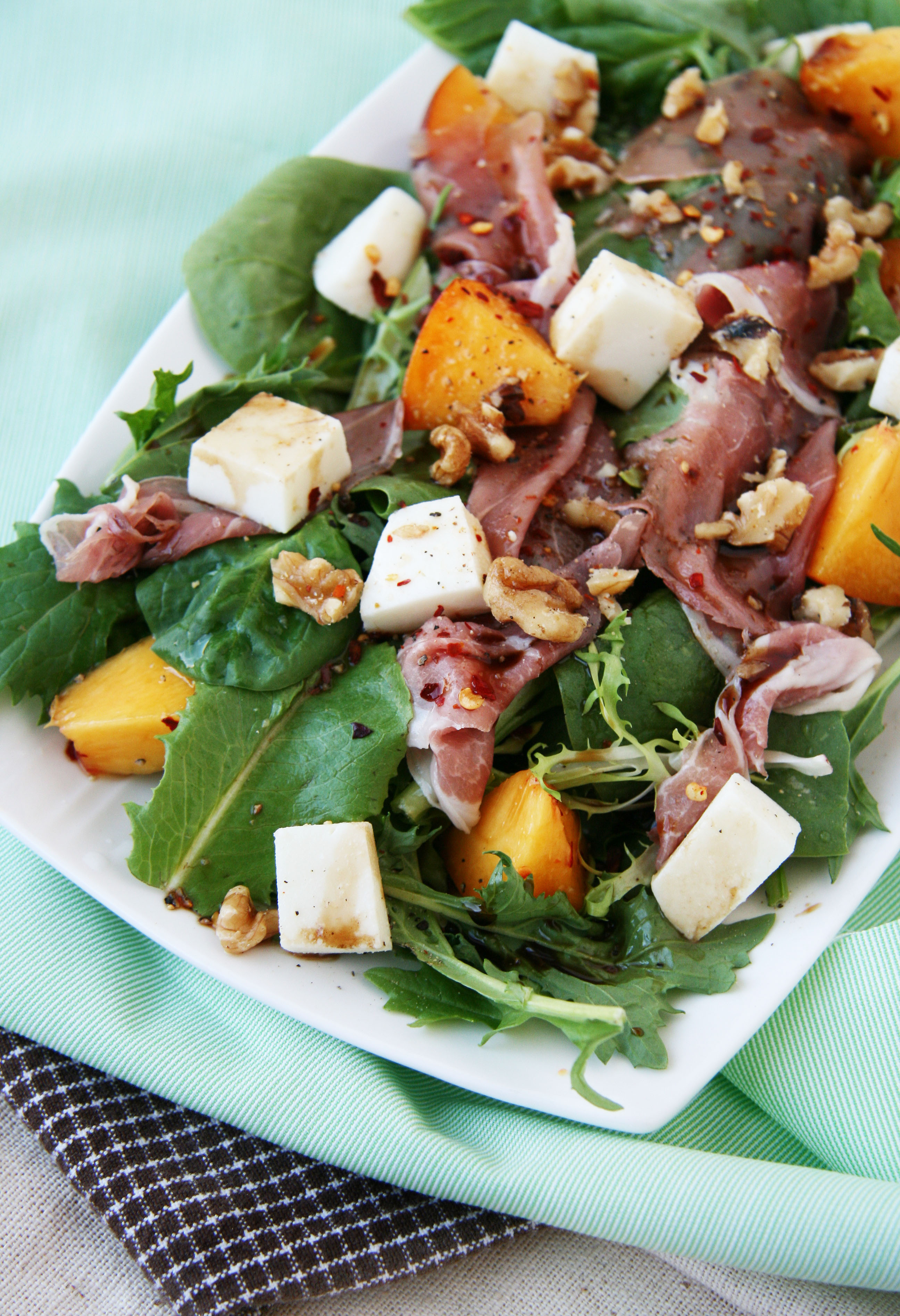 Grilled Peach, Mozzarella and Prosciutto Salad with Mixed ...