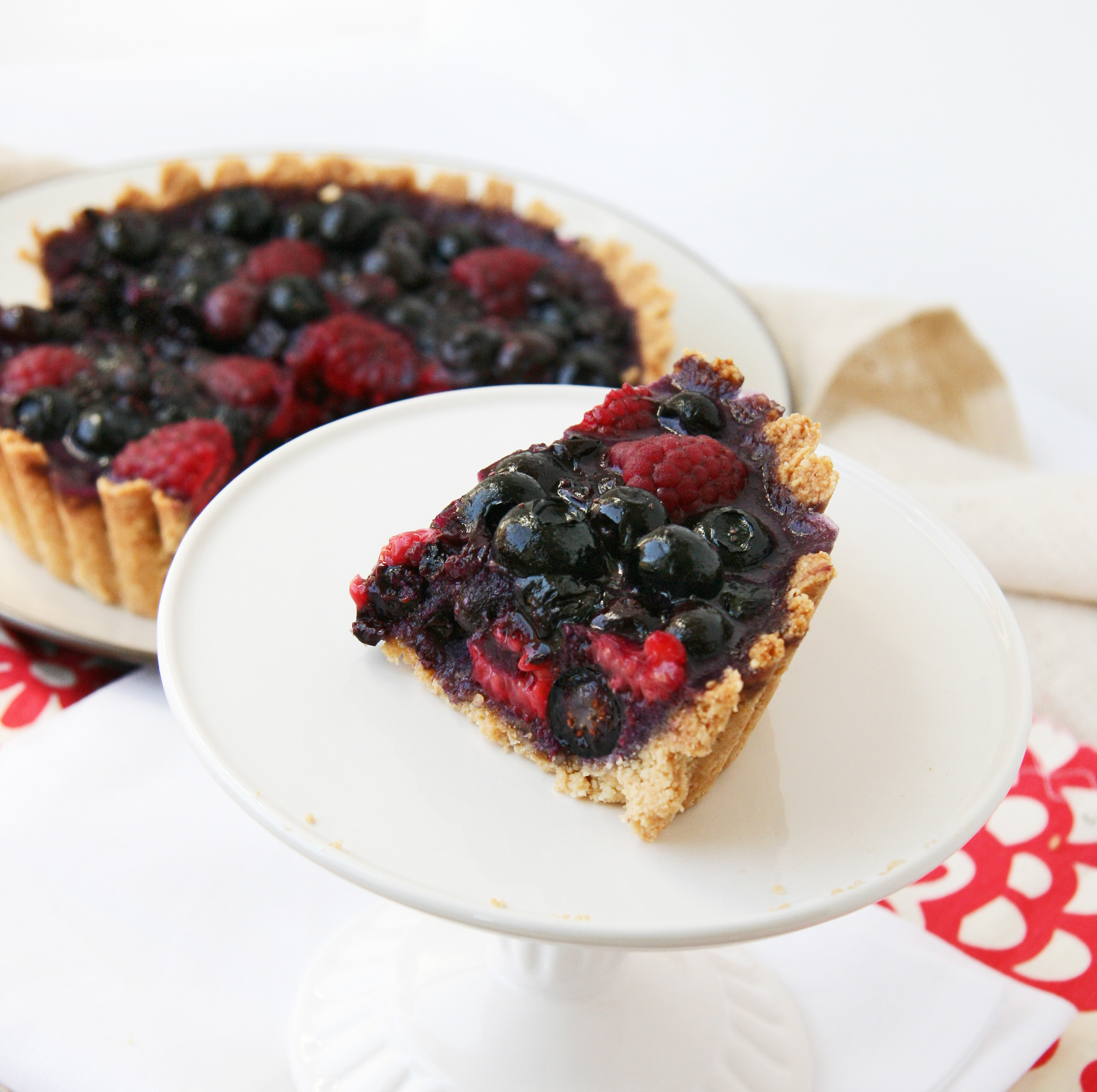 Summer Lovin' Fresh Berry Tart | Natural Noshing