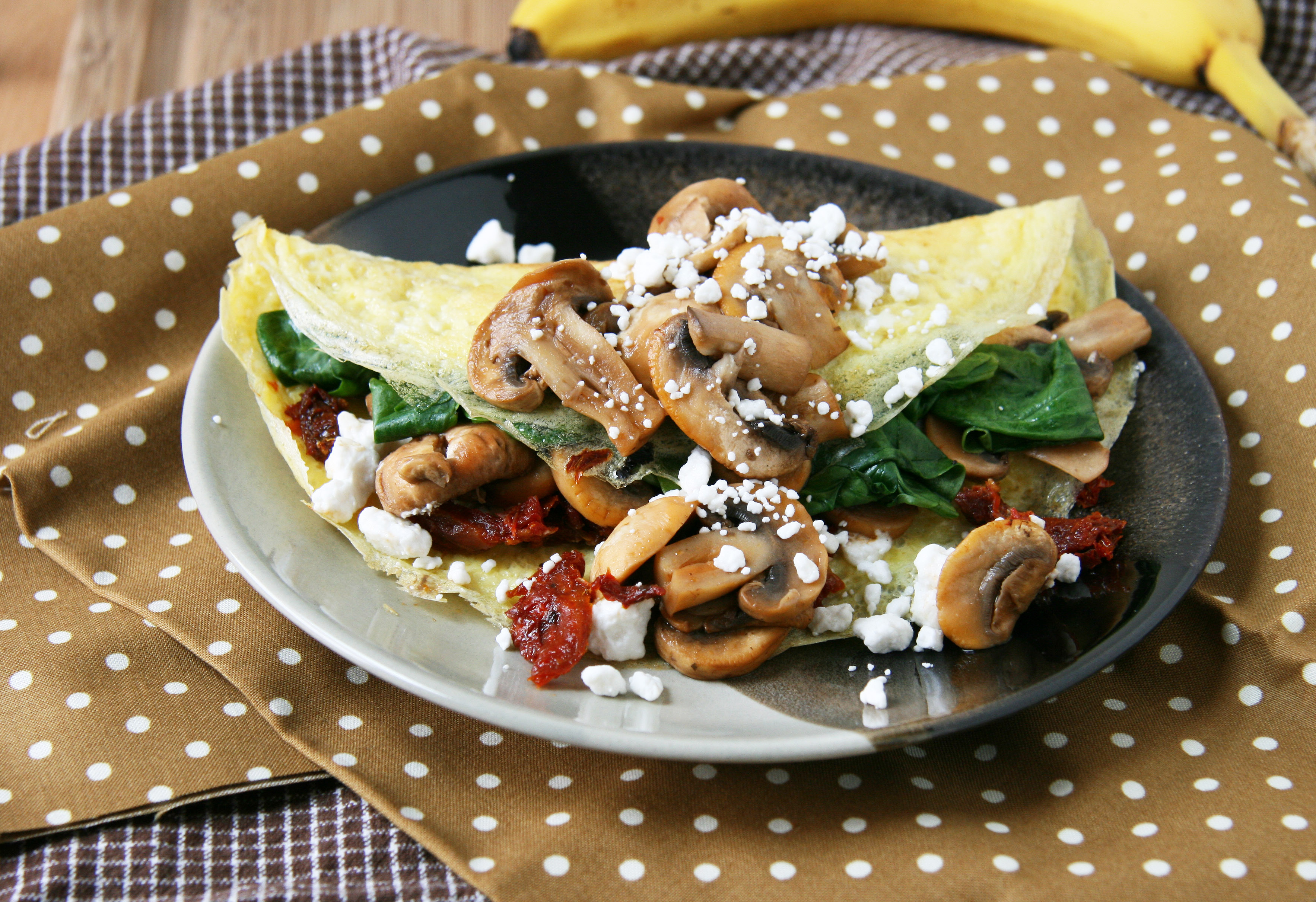 Sun-Dried Tomato, Mushroom and Goat Cheese Omelette