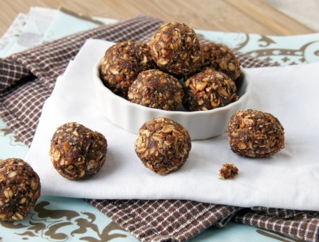 Cocoa-Kissed Chia Energy Bombs | Natural Noshing