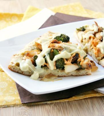 alfredo pizza chicken veggie 2