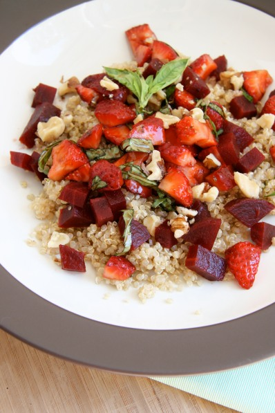 strawberry bruschetta quinoa salad