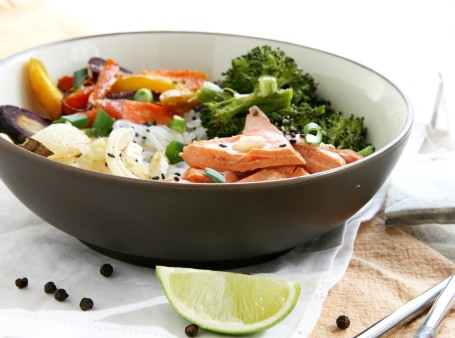 asian noodle bowls tea poached salmon 2